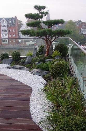 Japanischer garten auf dachterrasse traumhaftes wohnen im penthouse mit japangarten - Japanische gartenpflanzen ...